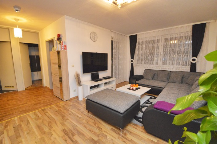 AP Immobilien GmbH - Ihr IVD Immobilienmakler aus Mainz - 60437 Frankfurt am Main - Eigentumswohnung