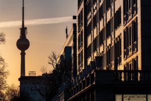 #Berlin #Mietendeckel #Bundesverfassungsgericht #Karlsruhe #Miete #Nachforderung #DeutscheWohnen #Vonovia #Scheel #AP #Immobilien #GmbH – #Ihr #IVD #Immobilienmakler #aus #Mainz #Immobilienvermietung #Immobilienverkauf #Vermietung #Verkauf #Immobilieninvestment #Immobilienvermarktung #Immobilieninvestor #Immobilienvermittlung #Immobilienbüro #Immobilienbewertung #Immobilienprofi #Immobiliensuche #Immobilienpräsentation #Immobilienvertrieb